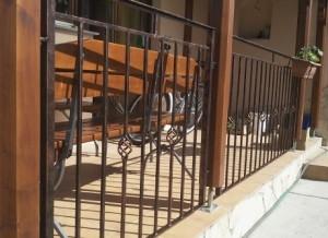 Modern vas kerítés - Aluferrinox kft.